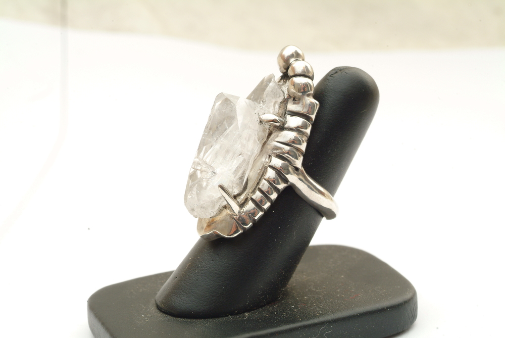 Faden Quartz Ring