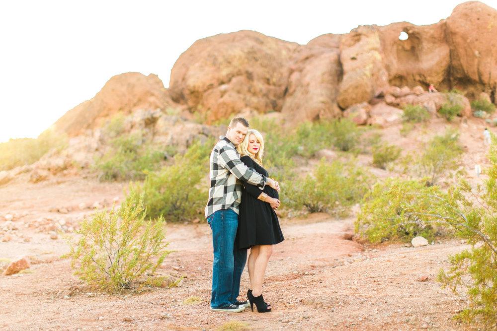 phoenix-papago-park-desert-maternity-photographer