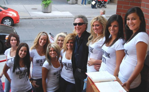 2008-Bob Gruen and the Gruen Girls
