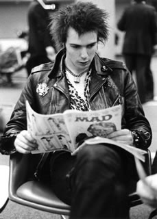 Sid Vicious reads Mad Magazine 1978