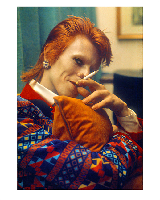 Bowie, CU With Cigarette, Queenliner, UK 1973
