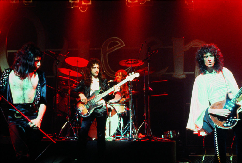 Queen on Stage #2.jpg