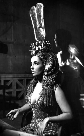 Elizabeth Taylor on the set of Cleopatra, 1960