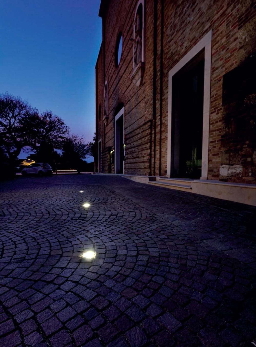 Luce & Light -immg-1135 - installation pic.jpg