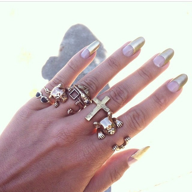 This is too good! Killer #manicure by @jessicawashick 💅 #beauty #NYC #Brooklyn #NYE #Gold