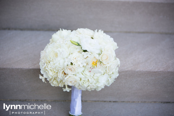Di Fiori White Bridal Bouquet