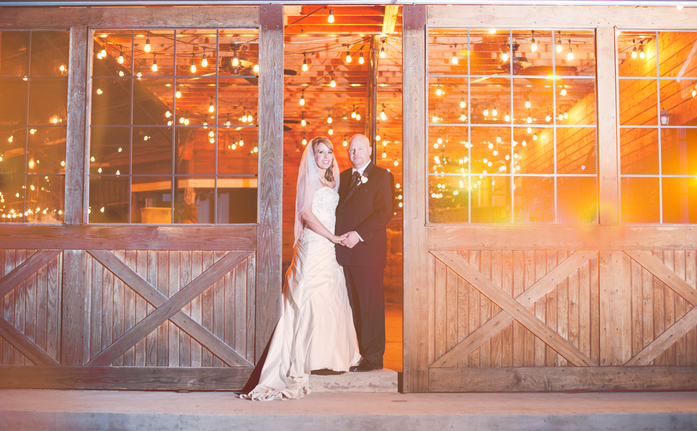 Classic Oaks Ranch Bride & Groom Barn