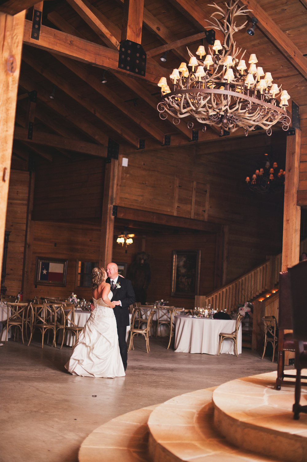 Classic Oaks Ranch Bride & Groom Last Dance