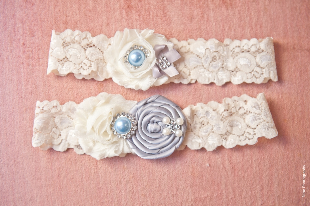 Lace garters blue pearl
