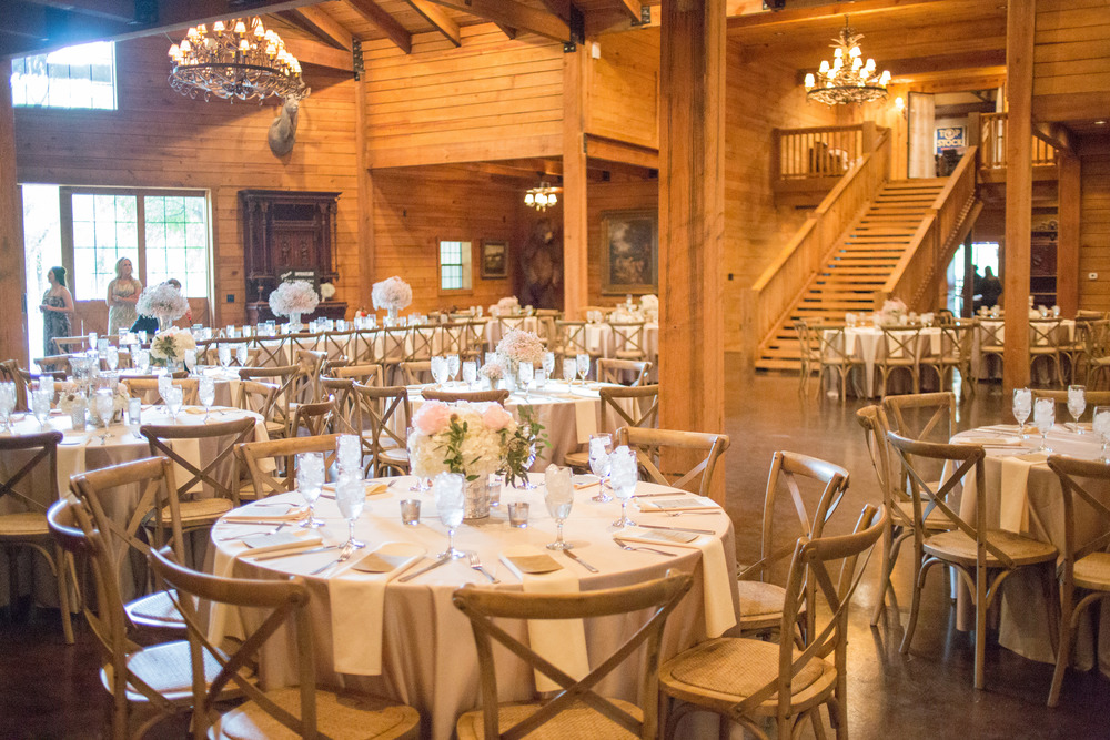 Classic Oaks Ranch Reception Setup