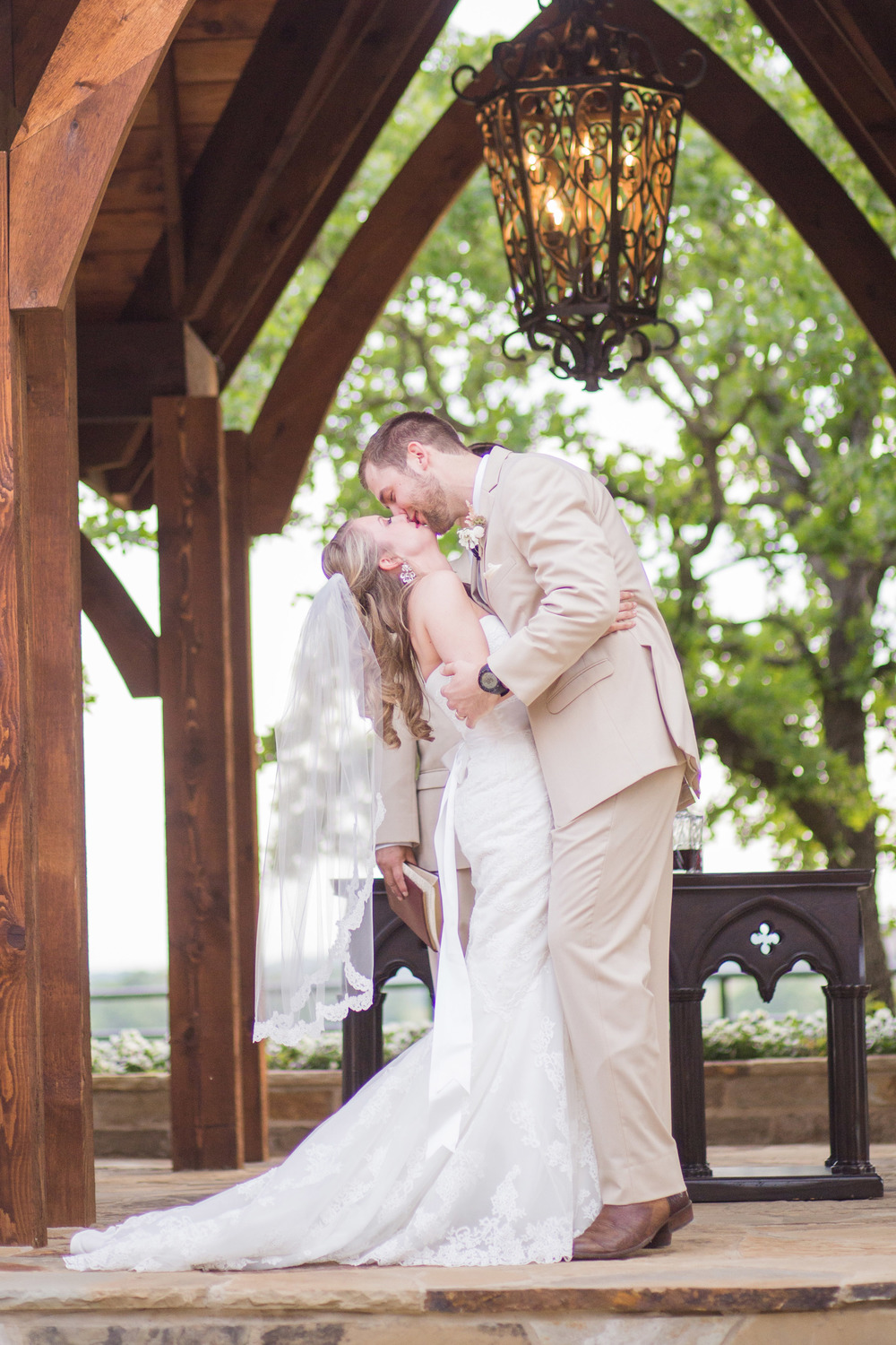 Classic Oaks Ranch Bride & Groom Kiss