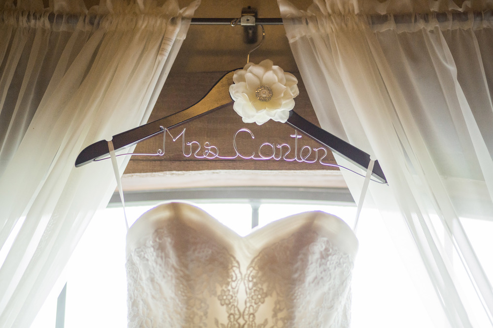 Personalized Name Hanger for Wedding Dress