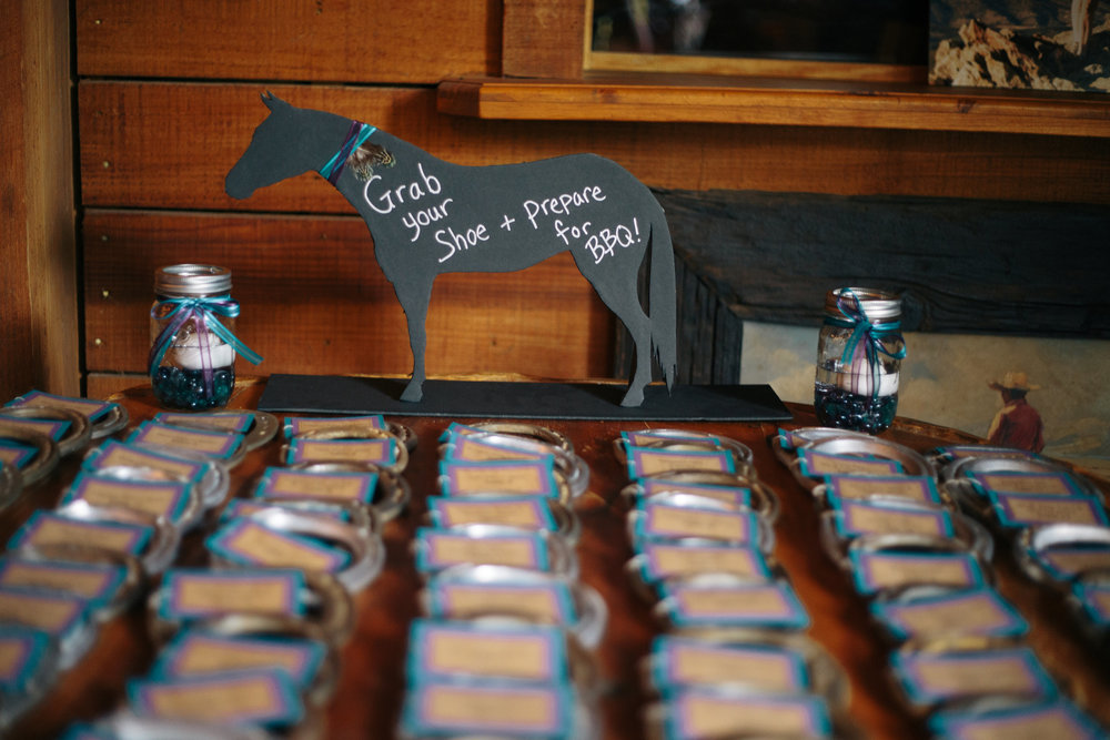 Horseshoe wedding favors