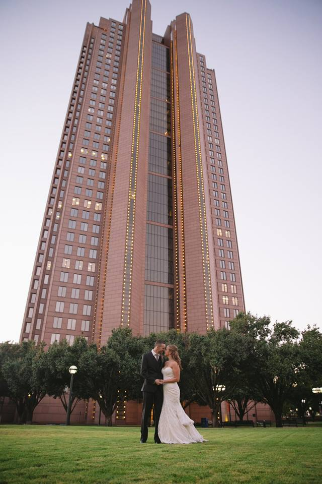 Bride & Groom Outside Cityplace Dallas, TX