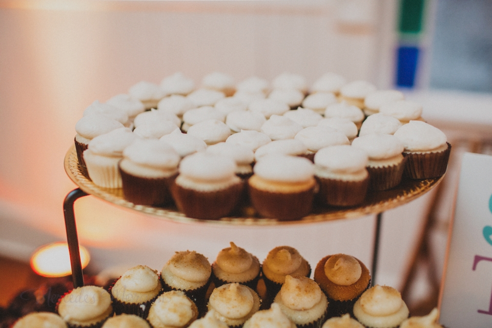 Wedding Mini Cupcakes on Stand