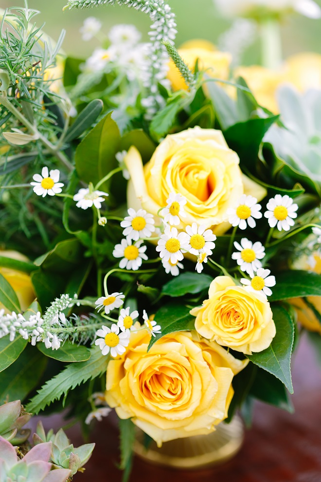 Yellow Rose White Daisy centerpiece