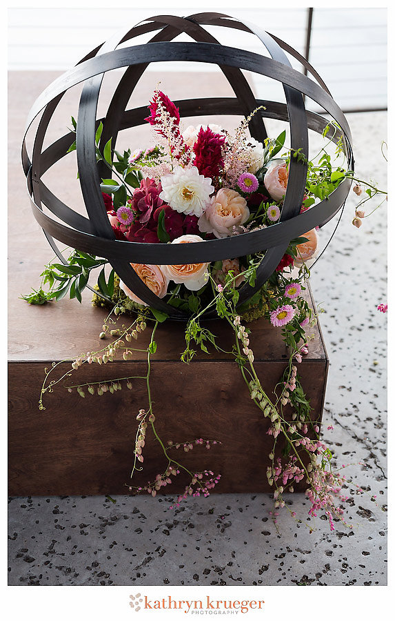 Pink Red White Iron Wedding Orb