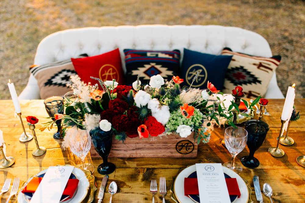 Lone Star Statement Wedding Tablescape