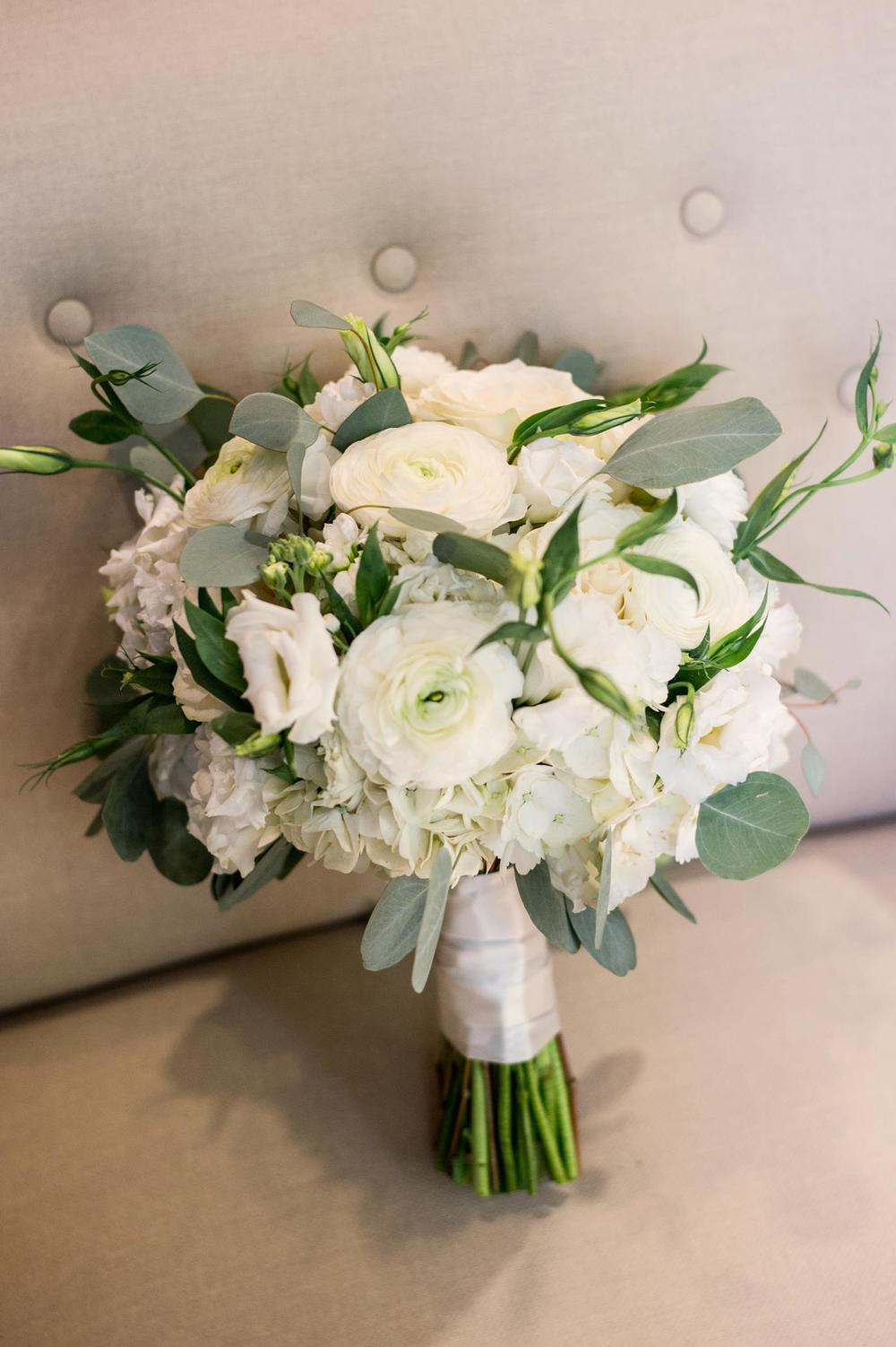 White & green bridal bouquet