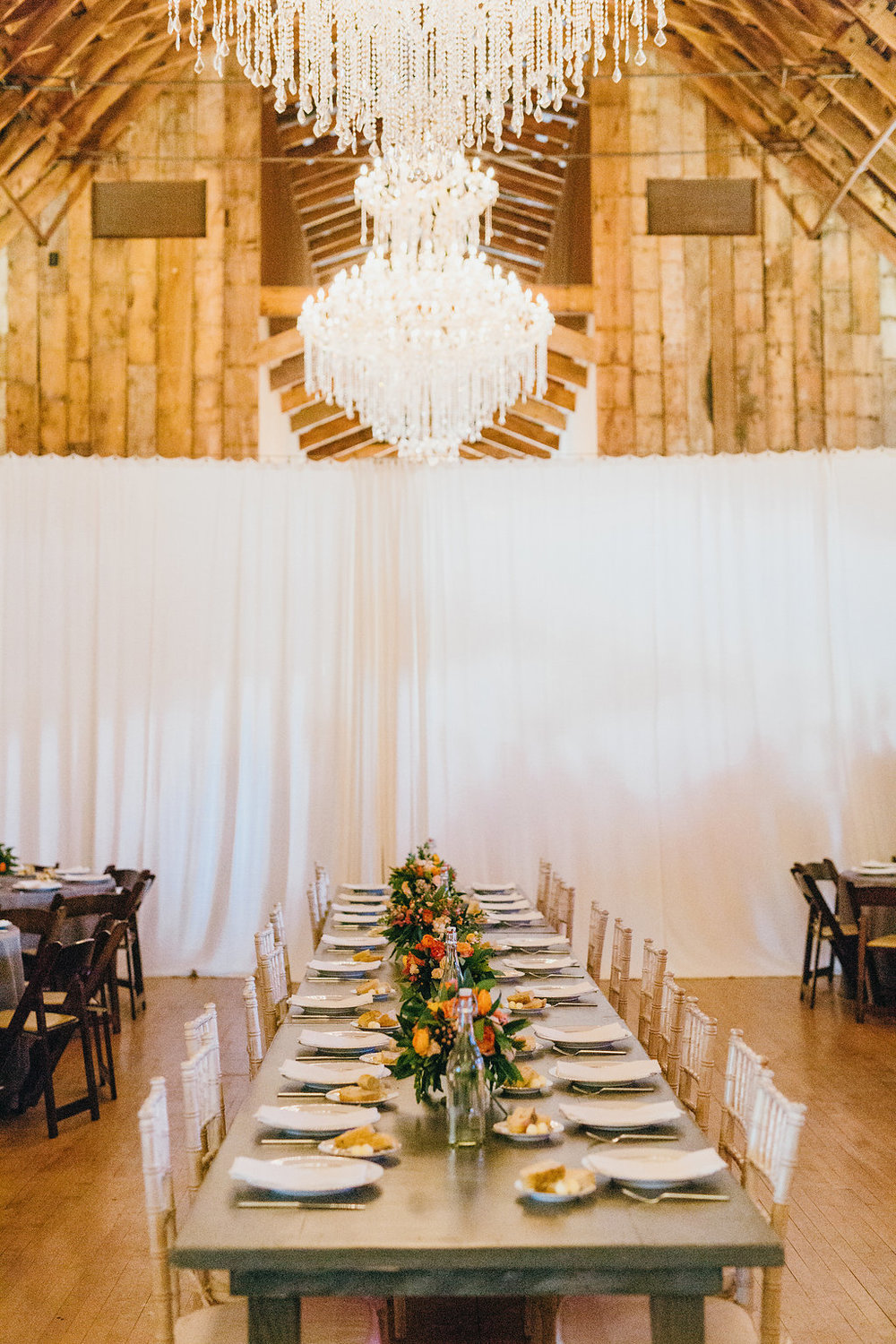Head table; king's table; farm table; Wild Bunches floral - www.grantdanielsphotography.com