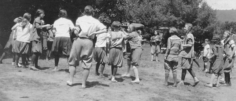Field Day 1928.jpg