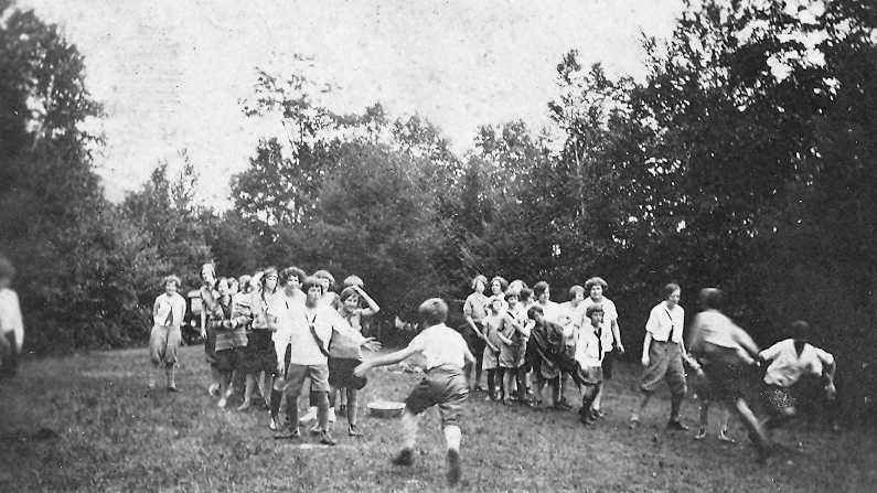 Relay Races 1926.jpg