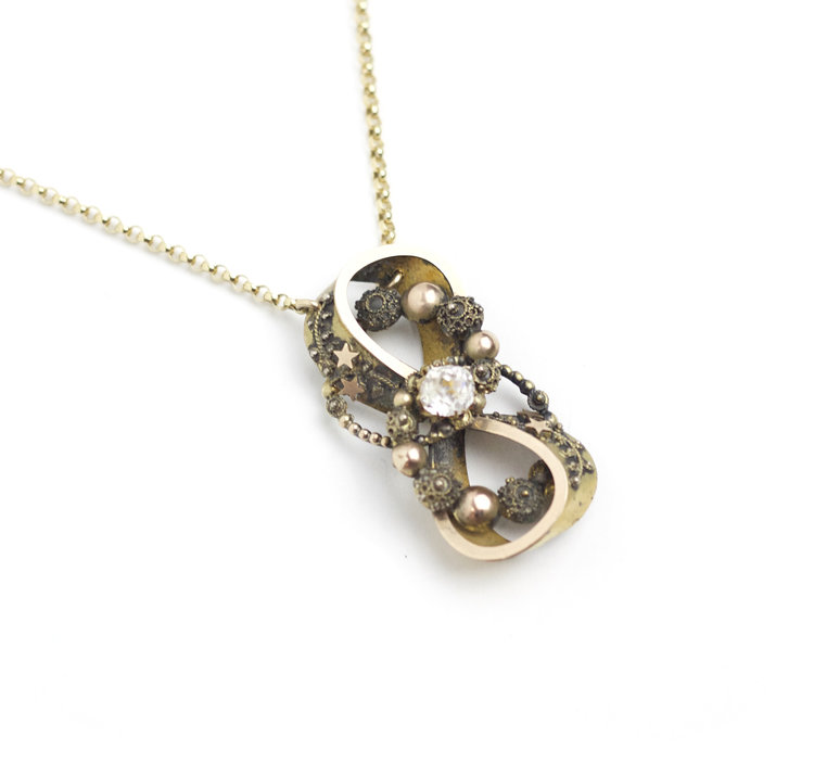 victorianINFINITY necklace - ...with the most perfect details