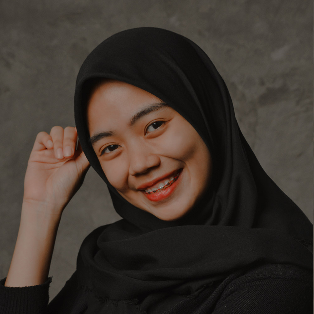 FIQIH QORINA SUDADING  | 3D Artist   Fiqih was born in Bekasi, November 9th, 1995. As an autodidact, she has taught herself the art of creating realistic 3D rendering in 2014, right after graduated from high school.   Fiqih joined Indigo in 2015 as a 3D artist and be responsible for the production of 3D images used in signage concept presentation.   Download CV