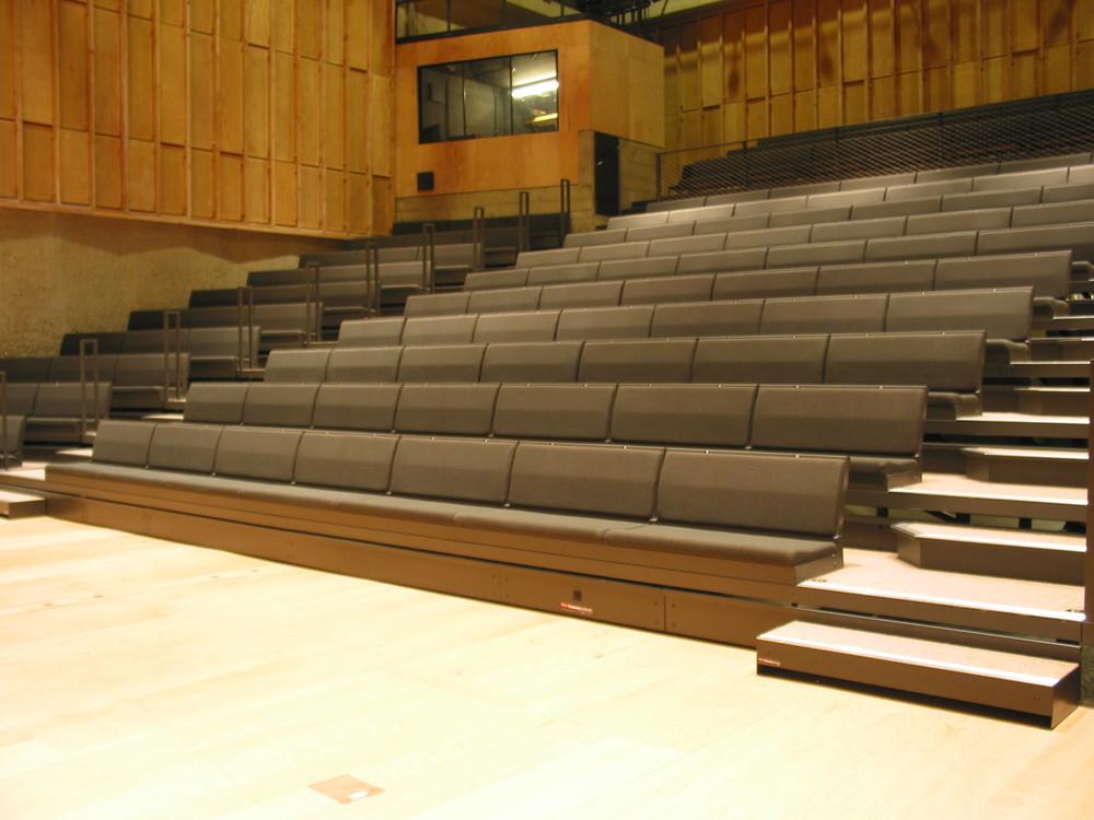 Club Bench Retractable Bleacher Auditorium Seating