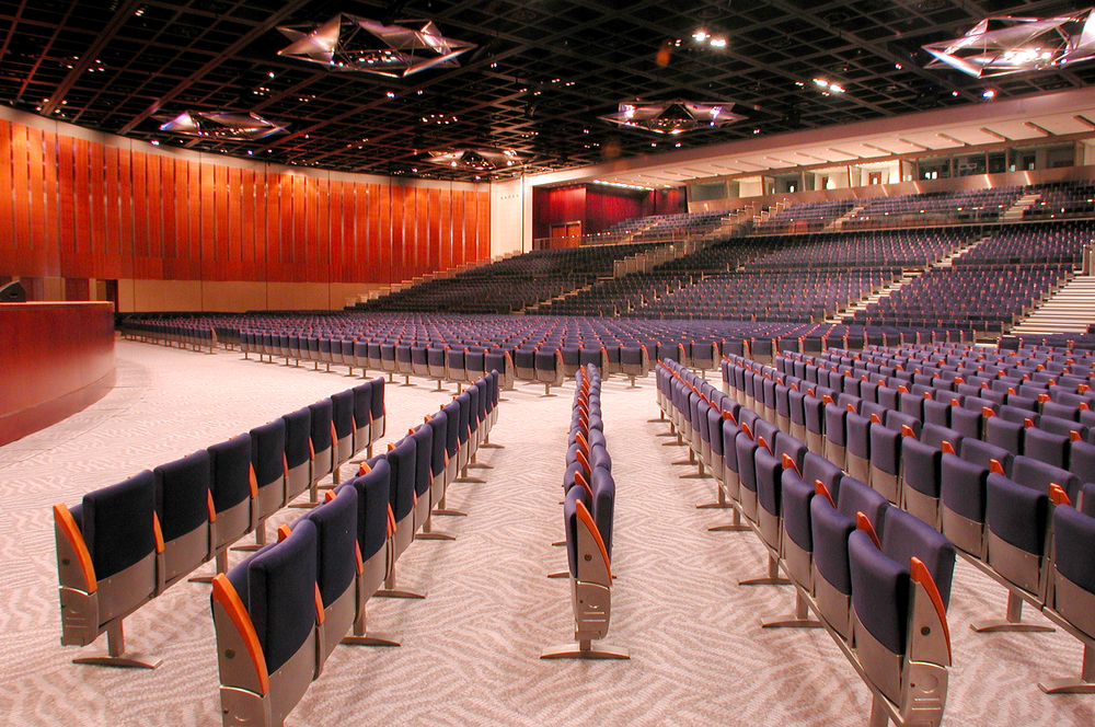Auditorium, fixed and retractable seating for convention centre