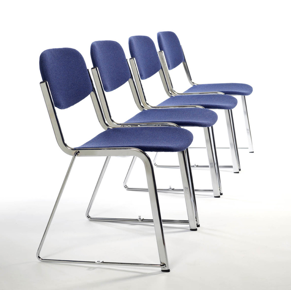 Stacking folding chairs and stackable seats — Retractable bleacher auditor