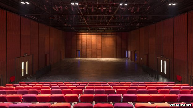 Library_of_Birmingham_Studio_Theatre_back_view.jpg