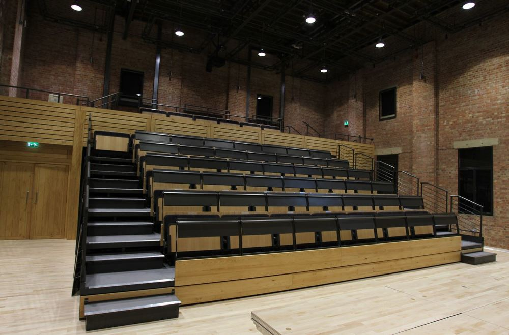 performing_studio_retractable_seating_ebert_Glyndebourne.JPG
