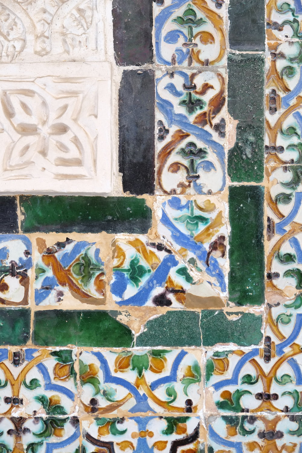 Tile details at Casa de Pilatos