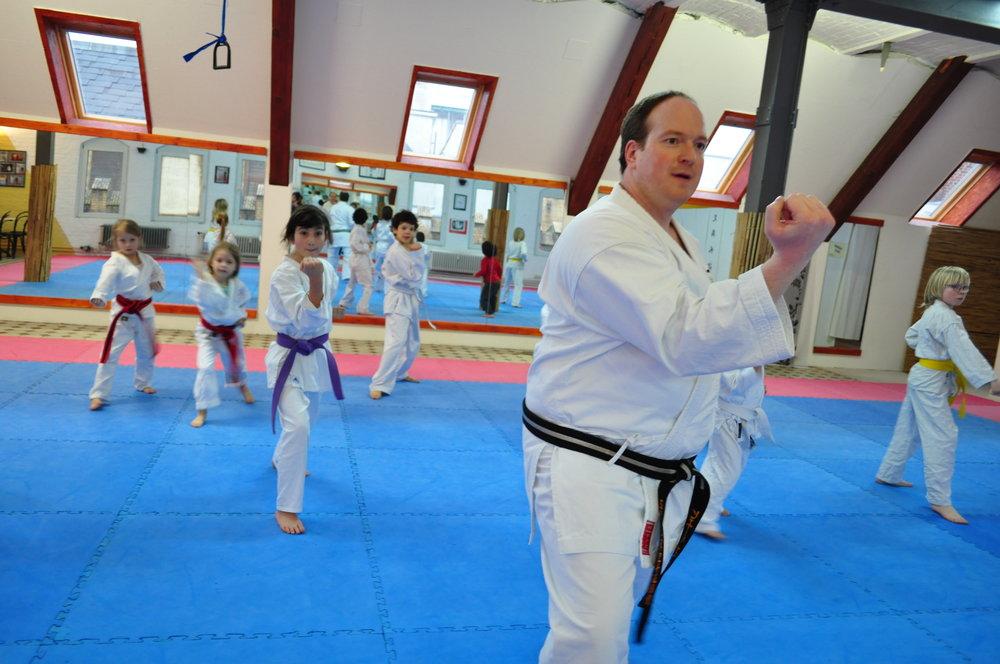 ….. Karate mit Kindern durchgeführt mit Piere