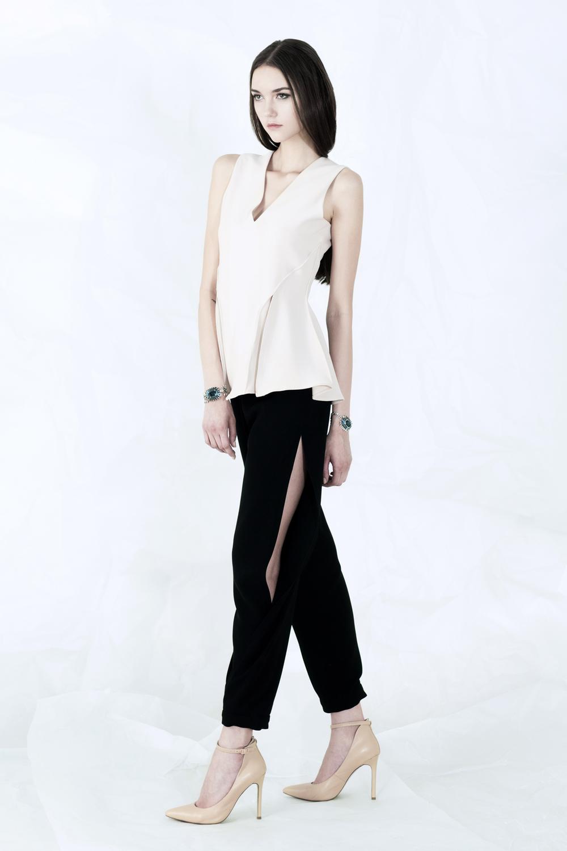 sr-vol02-indira top-jeannie pants.jpg