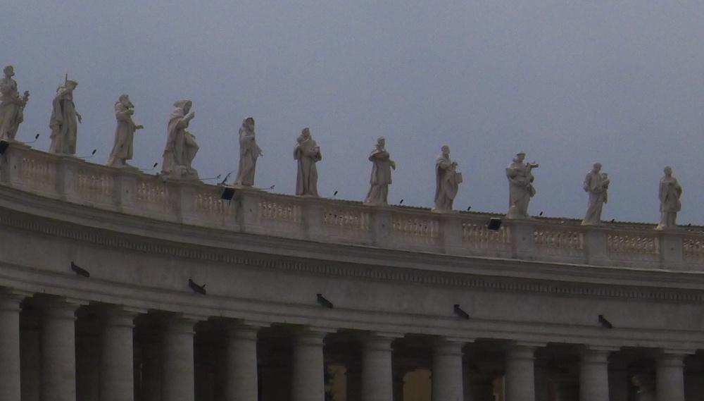 Bernini's welcoming figures at the Vatican