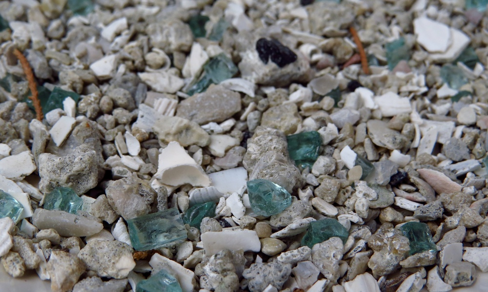 recycling heaven ... tiny shards of safety glass, shells and concrete