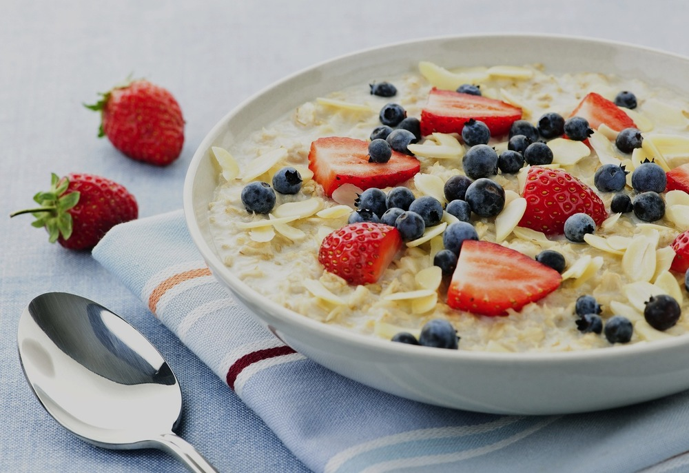 oatmeal-with-berries.jpg