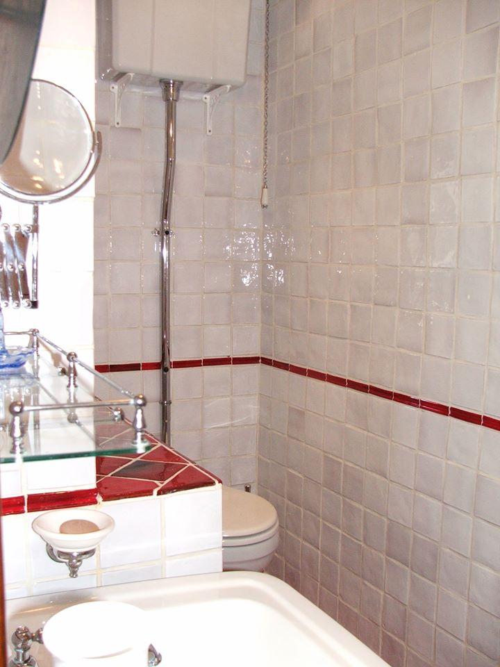 red bath 1.jpg