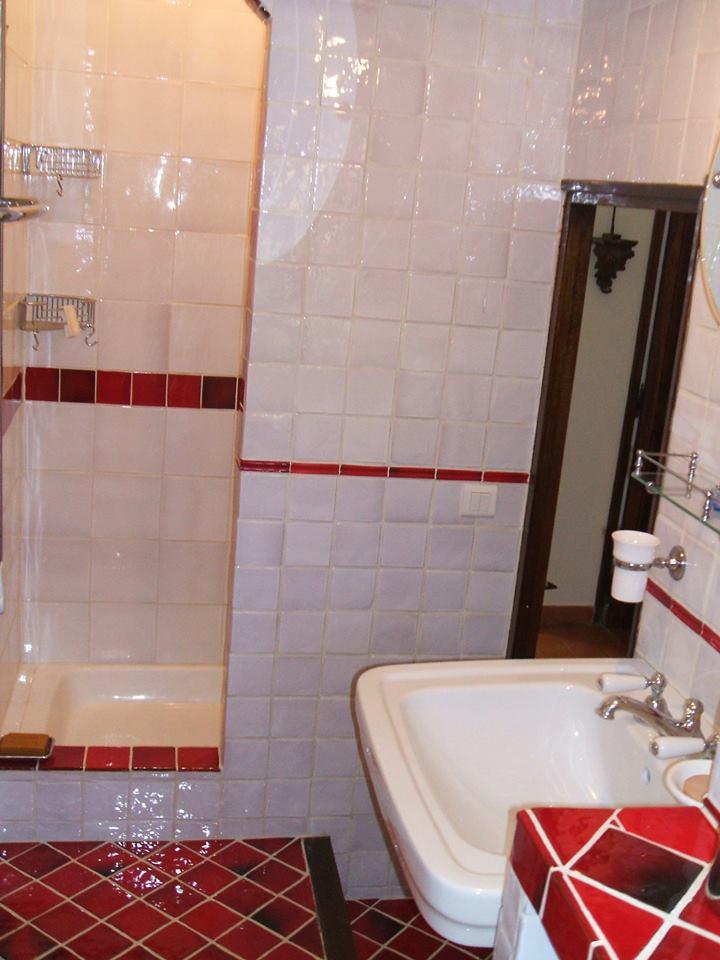 red bath 2.jpg