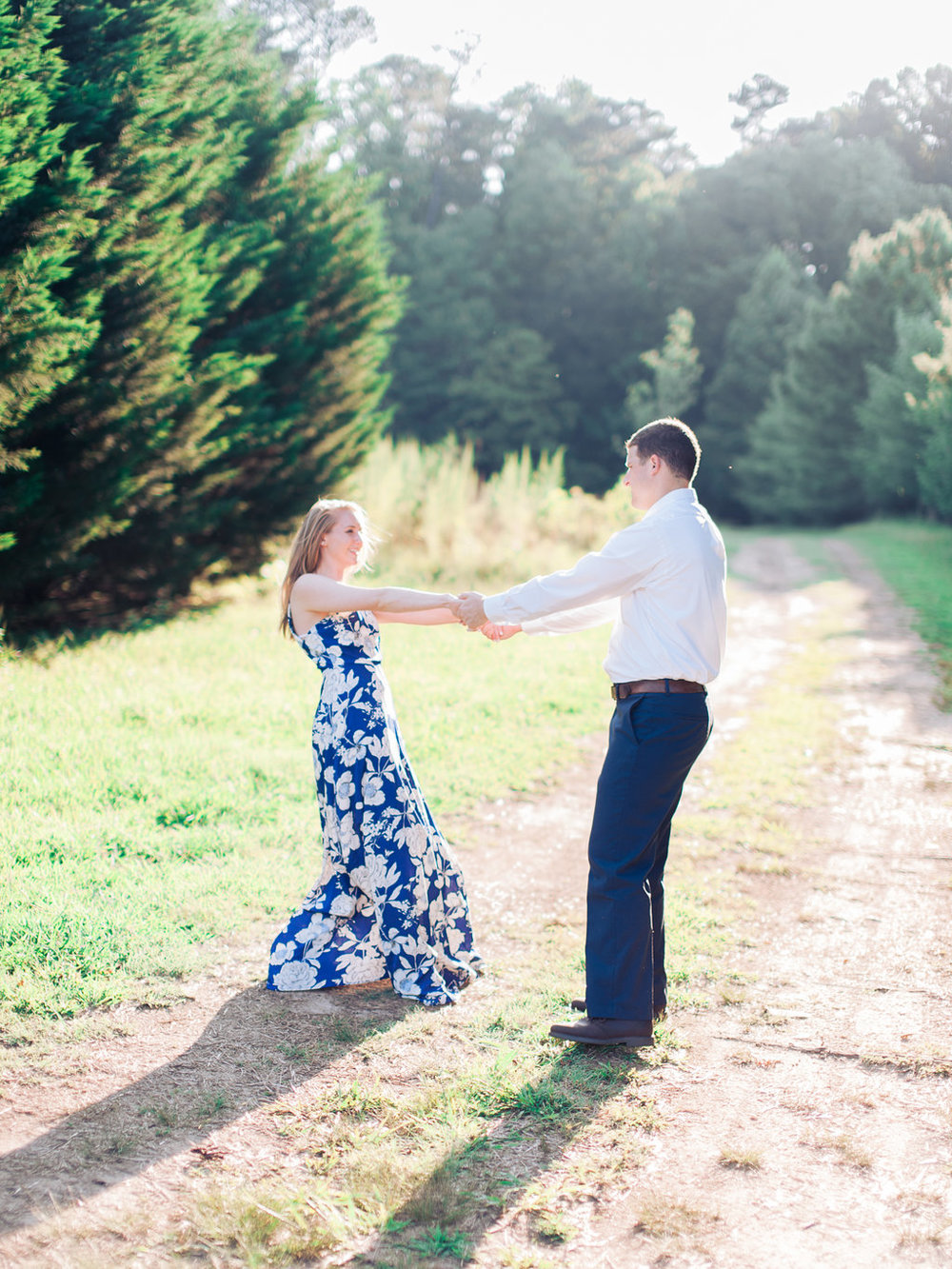 Woodstock-Engagement-Session-atlanta-wedding-photographer-hannah-forsberg-13.jpg