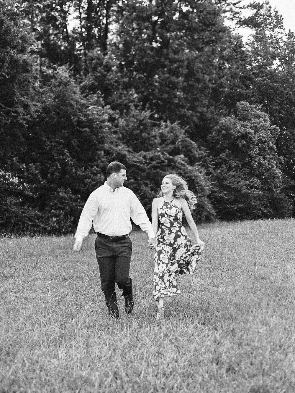 Woodstock-Engagement-Session-atlanta-wedding-photographer-hannah-forsberg-19.jpg