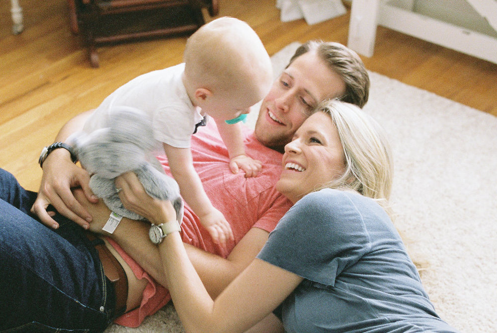 In-Home-Atlanta-Family-Session-atlanta-wedding-photographer-hannah-forsberg-25.jpg