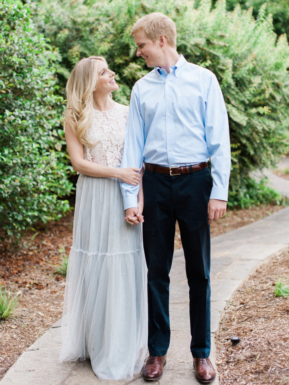 Cator-Woolford-Gardens-Engagement-atlanta-wedding-photographer-hannah-forsberg-1.jpg