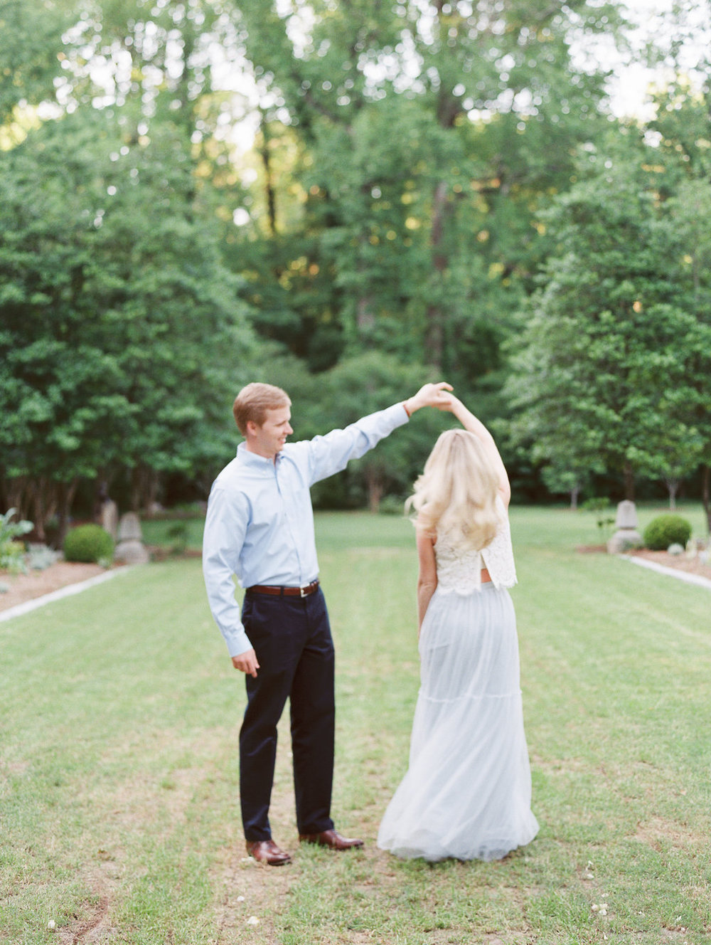 Cator-Woolford-Gardens-Engagement-atlanta-wedding-photographer-hannah-forsberg-21.jpg