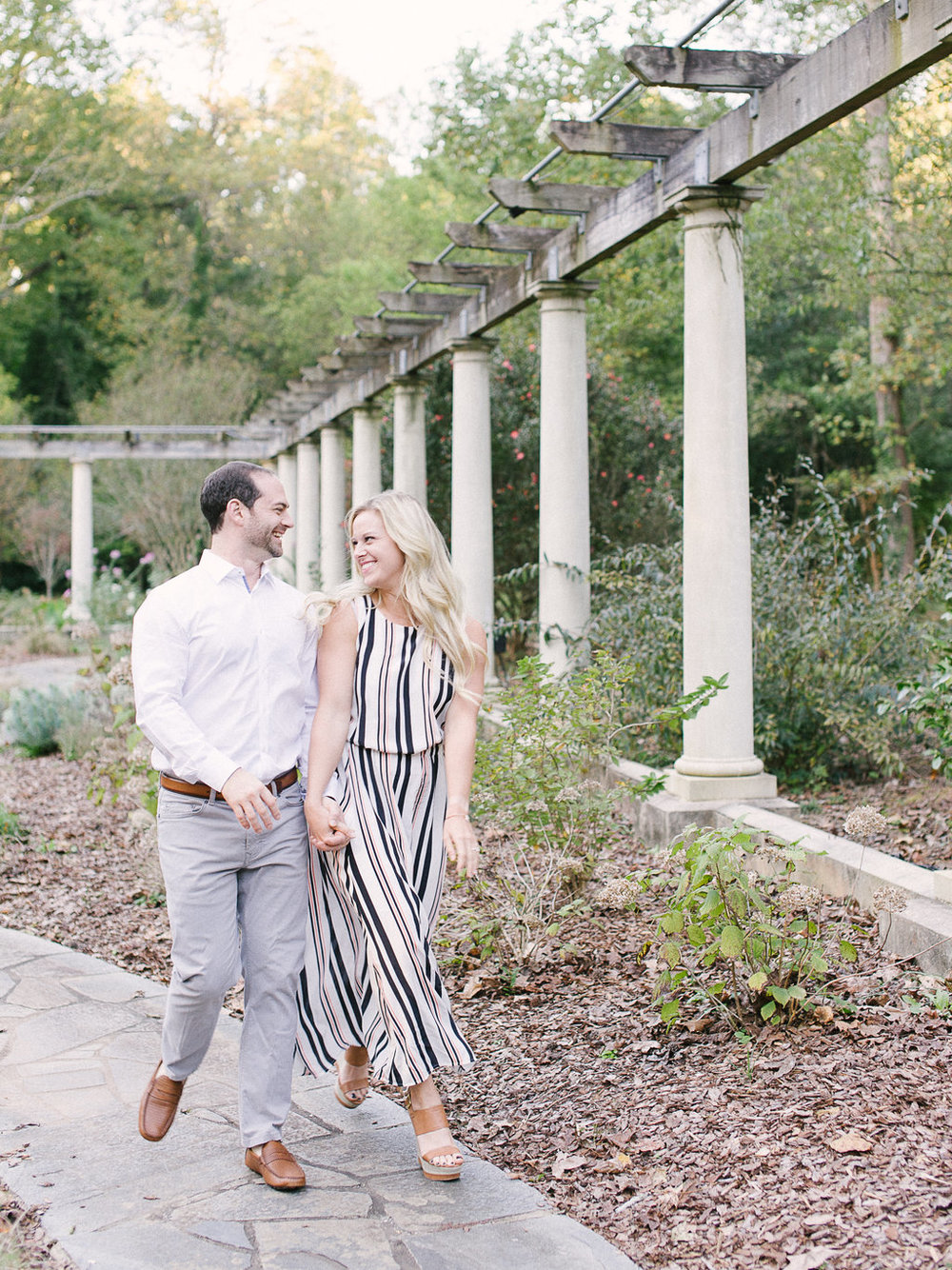 Cator-Woolford-Gardens-Engagement-atlanta-wedding-photographer-hannah-forsberg-10.jpg