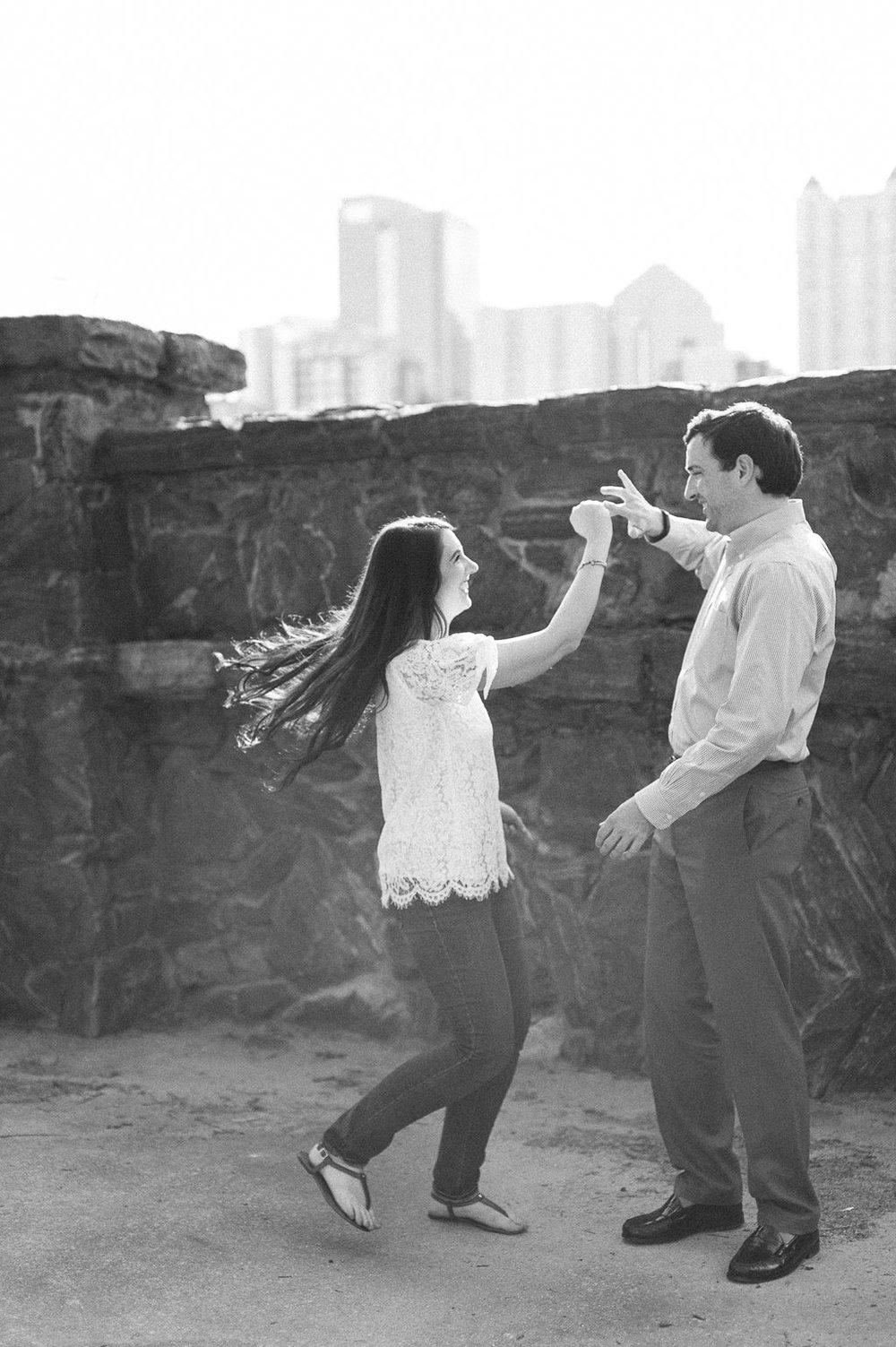 Piedmont-Park-Engagement-atlanta-wedding-photographer-hannah-forsberg-4.jpg