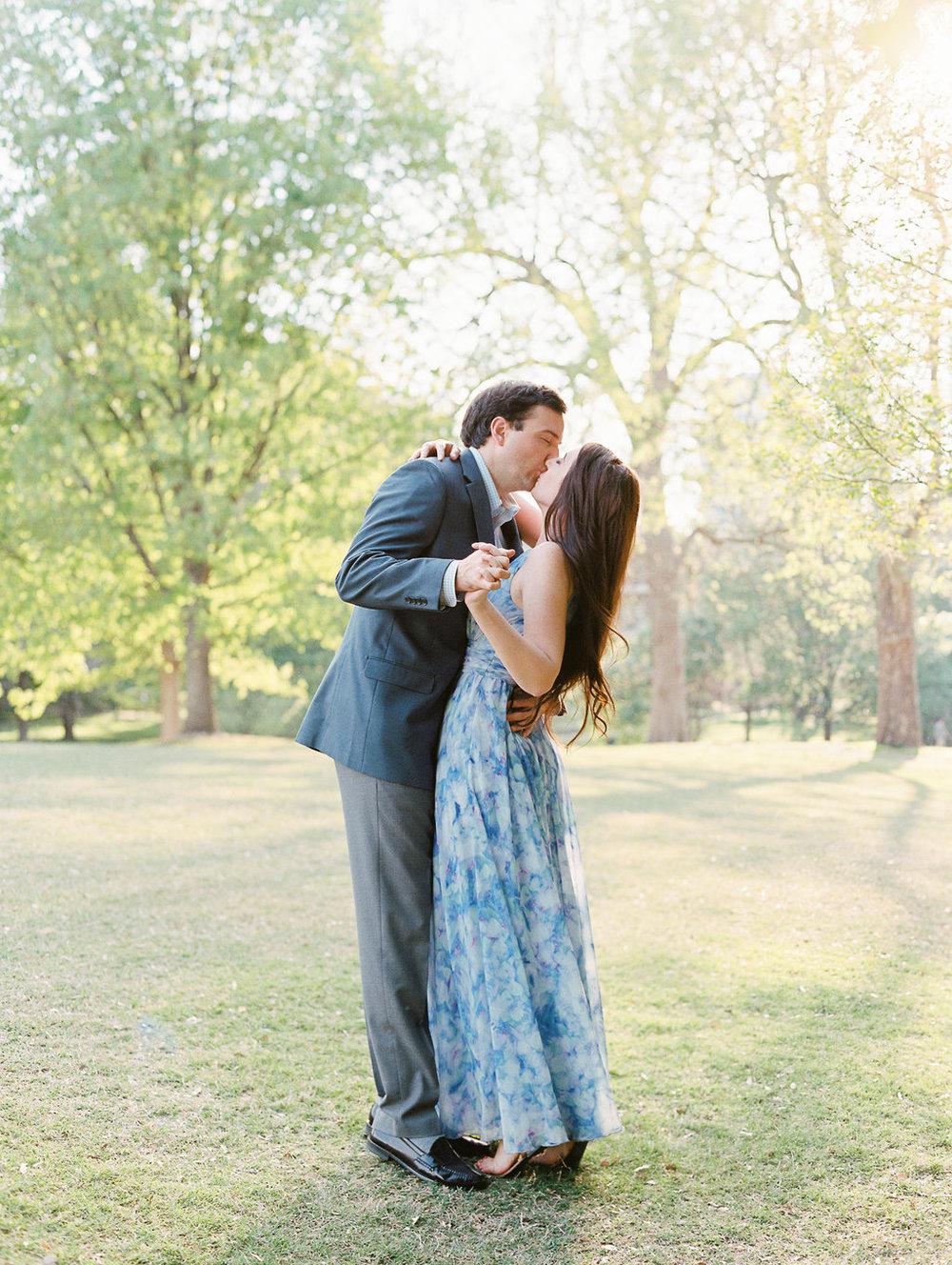 Piedmont-Park-Engagement-atlanta-wedding-photographer-hannah-forsberg-23.jpg