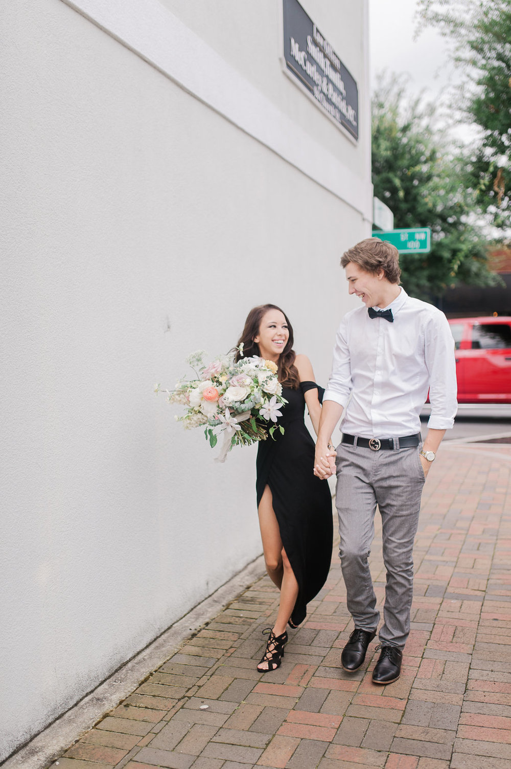 Marietta-Square-Engagement-atlanta-wedding-photographer-hannah-forsberg-4.jpg